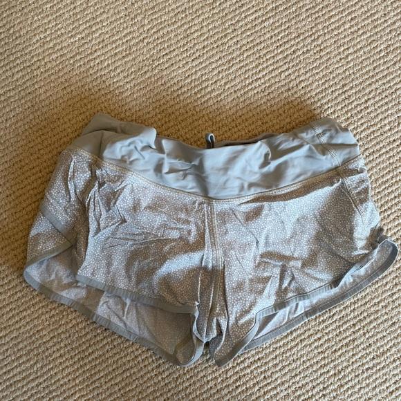 Lulu lemons size 6 speed up shorts